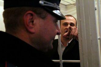 Віталій Запорожець: «Тут є працівник міліції який брав участь в моєму катуванні щоб я дав покази. Ось він. Оцей старший лейтенант»